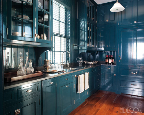 thefoodogatemyhomework: Very snappy little kitchen by Miles Redd done all up in high gloss Hague Blue by Farrow & Ball