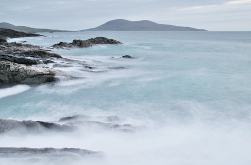 your-english-is-good:  Harris west coast (by skyephot)
