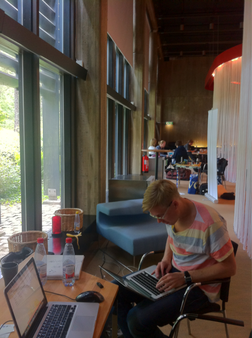 Johan hacking together our landing page 30min before presentation.