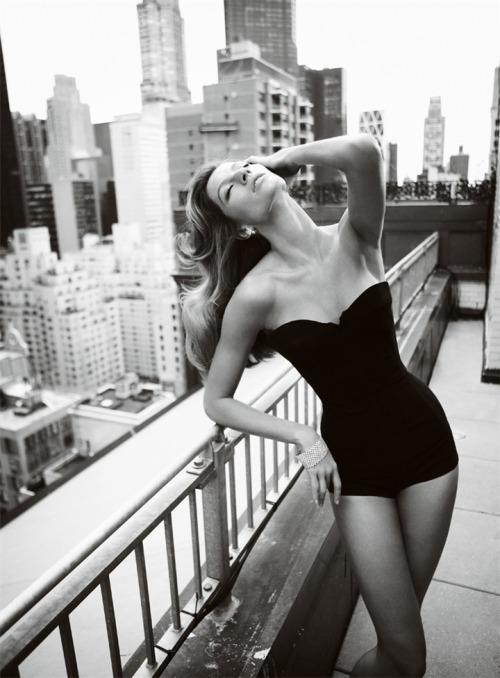 Photography beauty hair black and white fashion photograph model city famous mario corset photographer gisele testino