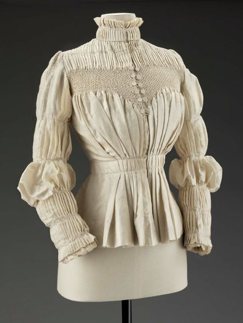 omgthatdress:  Blouse Liberty & Co., 1890s The Museum of Fine Arts, Boston