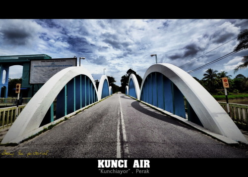 Kunci Air 11th  December  2011 | Kunci Air, Perak, Malaysia Nikon D700 | Sigma 10-20mm | ISO100 | 10mm | f/4 | 1/3200s post processing with Dynamic Photo HDR & ACDSee Pro 5