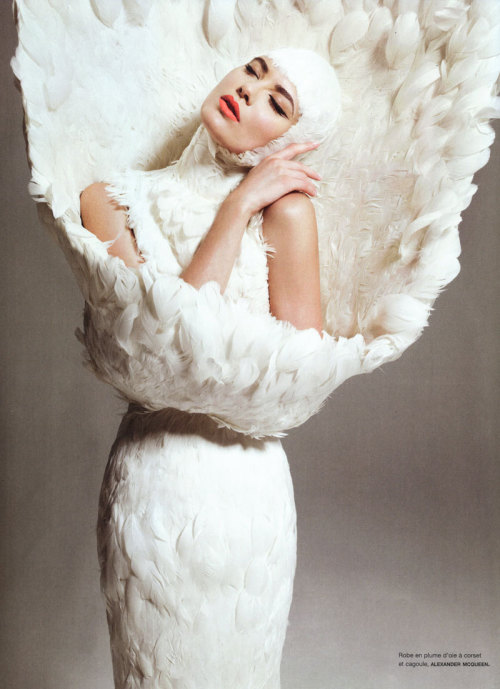 Shalom Harlow in Alexander McQueen, photographed by Sofia Sanchez & Mauro Mongiello for Numéro #108 November 2009.