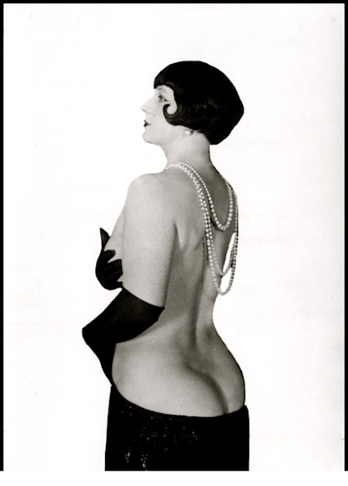 hoodoothatvoodoo:  Yva Richard Portrait of a flapper 1930