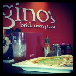 @jorkyjar #resto #italian #foodgasm #food #pizza #gino's (Taken with Instagram)