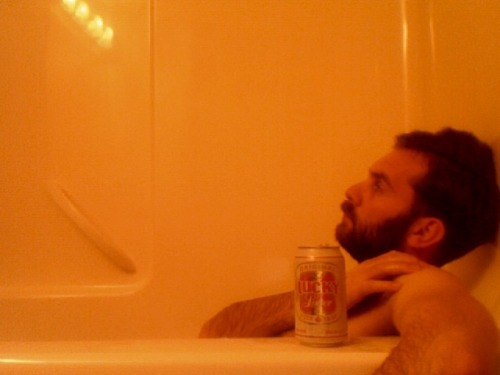 behindthisbeard:  Pay no attention to my 9:30am Lucky Lager artistic bath shot.         My favorite beer.