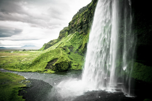 inspirens:  Seljalandsfoss by Zanthia on Flickr.