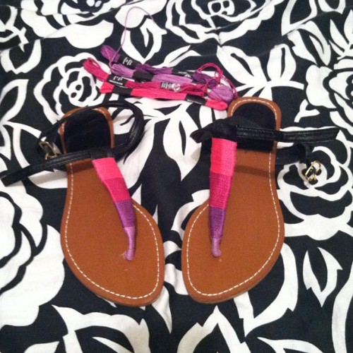 butihavenothingtowear:  DIY Ombre sandals #diy #summer DIY #craft cord (Taken with Instagram)  Truebluemeandyou: If you have a really cheap pair of sandals, this is such a good way to dress them up. And, if you get tired of the colors you can change them for a little over $1.