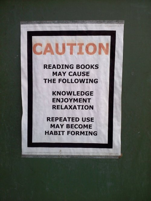 rufios-bone-bulge:  Best sign I've ever seen at anywhere