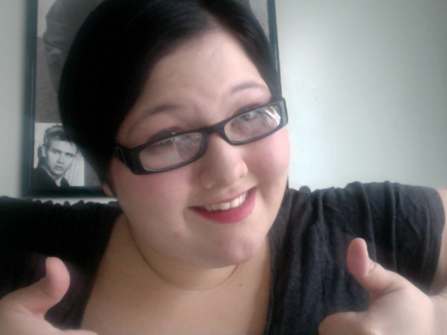fleetingfox:  Thumbs up for short hair and red lipstick!