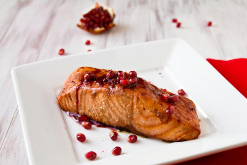 beautifulpicturesofhealthyfood:  Grilled Pomegranate-Glazed Salmon…RECIPE HERE