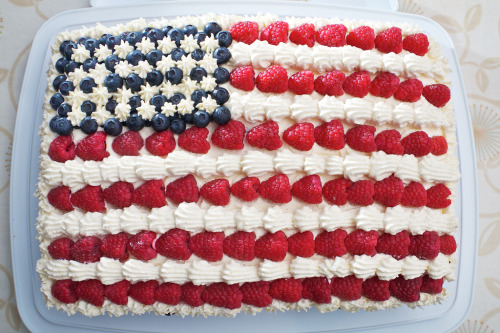 Happy Flag Day!   Stars & Stripes Cake (by khaosproductions)