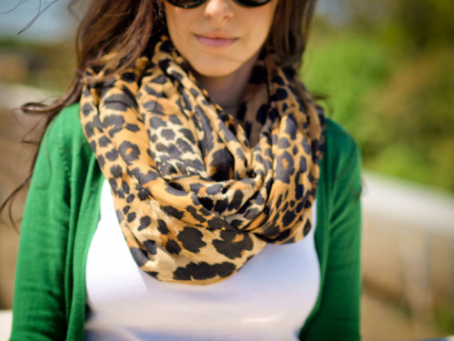 (via Bittersweet Colours: Look of the day : green white print)