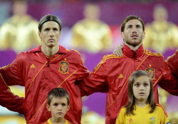 Also, can we just appreciate how Sernando are inseparable.