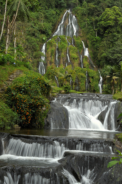 visitheworld:  Thermal waters at Santa Rosa de Cabal, Colombia (by Tulio Pizano).