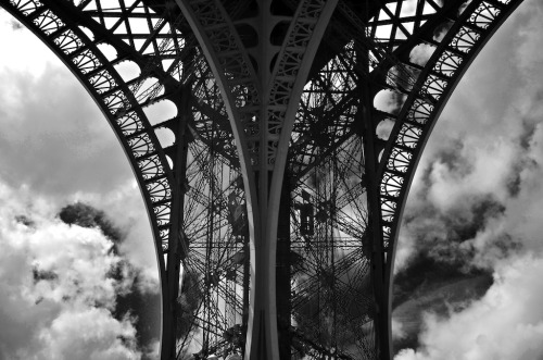 elinka:  Paris … ) ( Sylvain Pageau