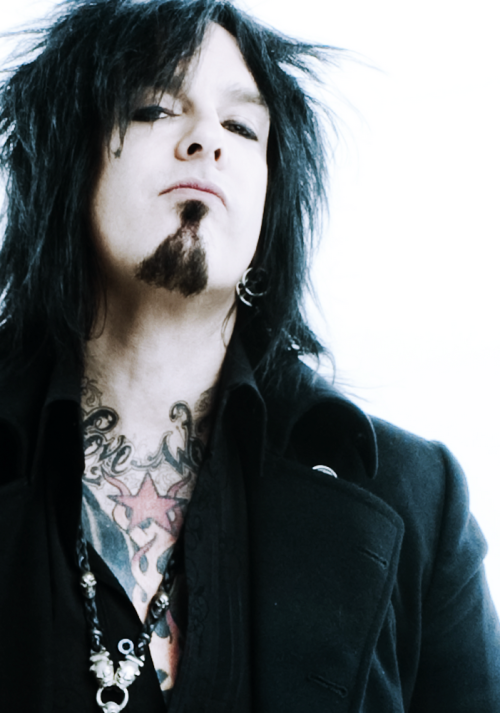 34/100 photos of Nikki Sixx ♦