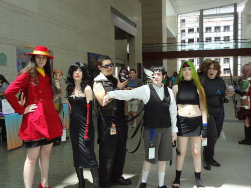 so more pics from animazement finally. This is  the raddest homunculi cosplay group. LOOK AT PRIDE JFC and Greed's mask! Carmen Sandiego is there too because why not. And this picture is more hilarious for that lady gawking in the background.
