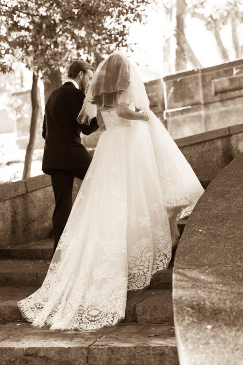 Erin Hearts Court Photography Wedding Dress: Oscar de la Renta