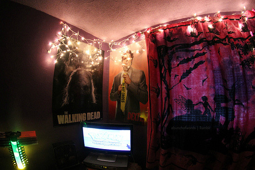 I don't normally reblog this stuff but, Walking Dead + Dexter + lava lamp = wowza