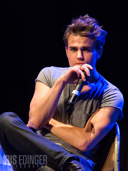 Bloody*Con 2012 Q&A Photos: Paul Wesley. Photographer: Iris Edinger. Source: Vampire-Diaries.net. (Photos from Zach Roerig's Q&A here.)