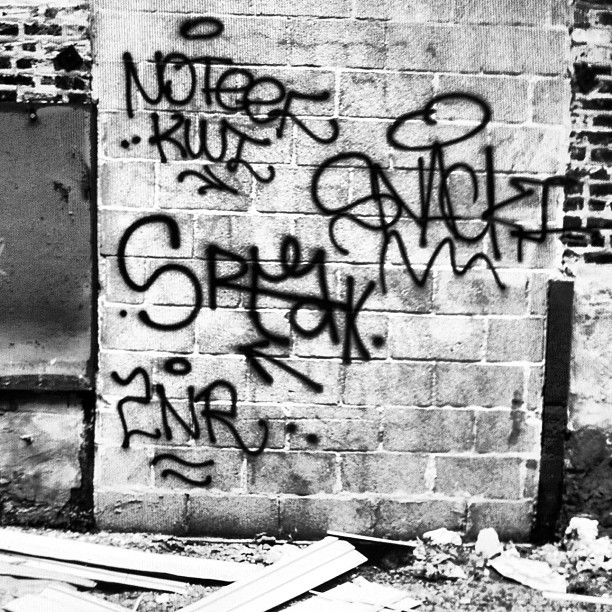 #snacki #speak #noteef #kwt #2nr #chicagograffiti  (Taken with Instagram)