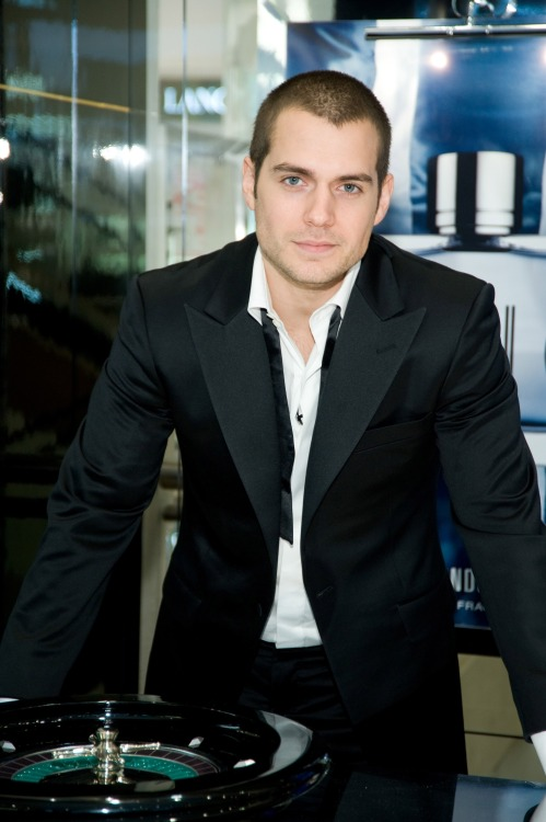 7/30 photos of Henry Cavill