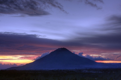 Mount Sinabung from Gundaling Hill, North Sumatra, Indonesia. (by Boris Hamilton)