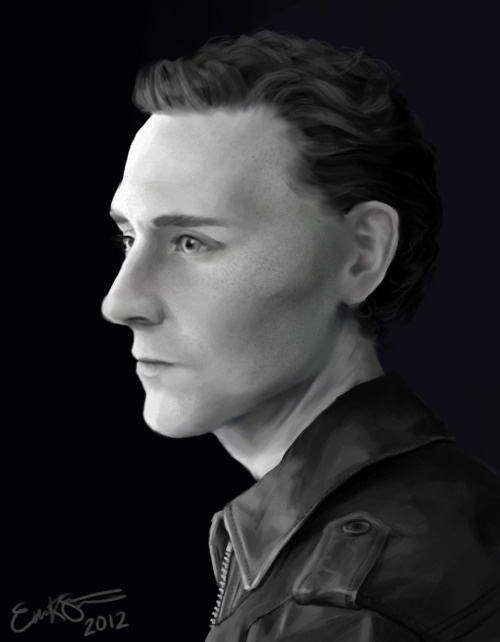 oh wow did i draw tom hiddleston again who would have seen that coming