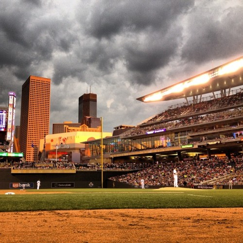 "stuffaboutminneapolis:  ""Not a bad view from the 3rd base photo well in the sixth inning tonight.""  by bracehemi"