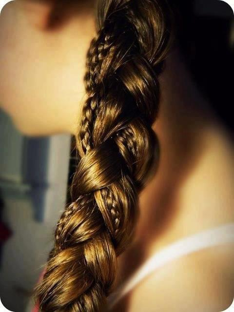 Do you have long hair? Try this intricate braid for a laid back wedding hair style.  www.rhinestonesandlace.tumblr.com, following back all new followers right now ! xo