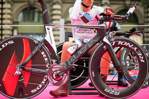thismachinekillscobbles:  Giro d'Italia by incuboy on Flickr.