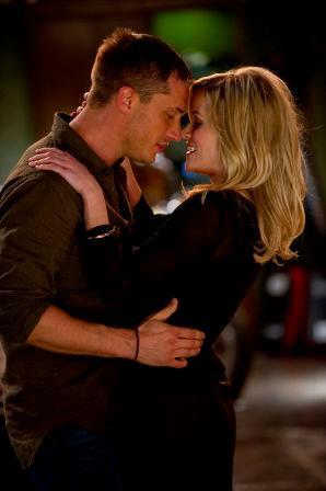 Another still from This Means War, depicting a cosy moment. :)