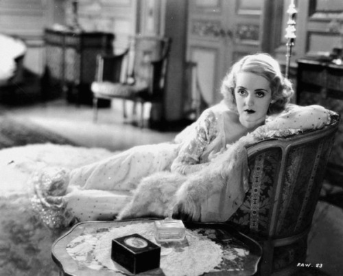 completelyunproductive:  Bette Davis, being stunning…