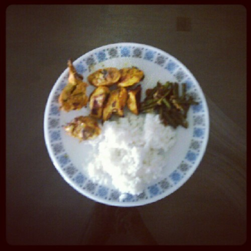 #Tandoori and beans for #lunch. #instagram  (Taken with Instagram)