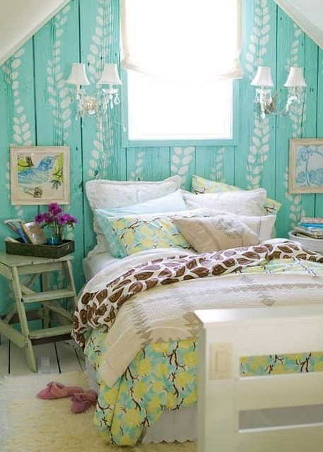 dyingofcute:  adorable leaves painted on turquoise wall panels