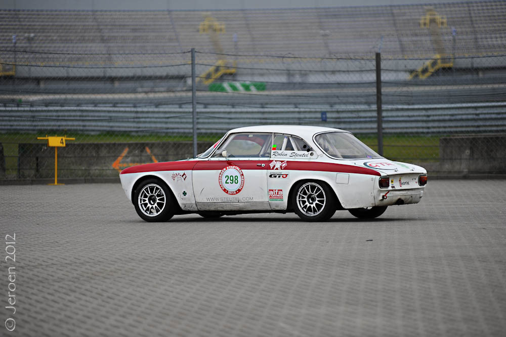 carpr0n:  Won a thousand fights Starring: Alfa Romeo Giulia Sprint GTA (by Jeroen Sick)