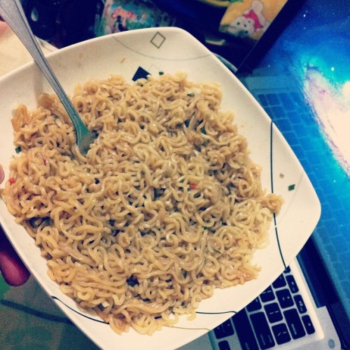 Canton tayo! #PancitCanton #Snack #home #Afternoondelight #Rainydays (Taken with Instagram at Phase 2, Eastwood Subdivision, Montalban Rizal)