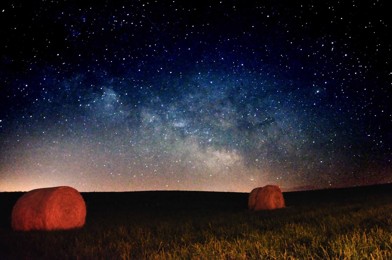 30 second exposure of the milky way just east of Ottumwa Iowa - Jason Loving