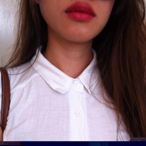 Let's do a red lip. #lovely #instasg #girl #fashion #style #ellielove #makeup #lipstick #self #instasg #instagramhub #sgig #igsg #iphoneography #iphonesia  (Taken with Instagram)