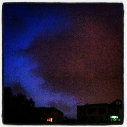 Look! The red cloud! #cloud#red#sky#instamood#instahub#instacity#instafame#iphoneisa#follome#igers#idaily#instafame#instasky#cool (Taken with Instagram)