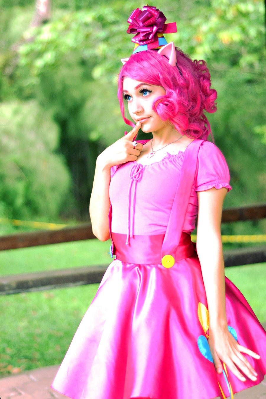 cosplaydedicated:  imaginarytomodachi-cosplay:  What a Pinky Pony told me … by ~PameeKawai  /that's so cute ouo