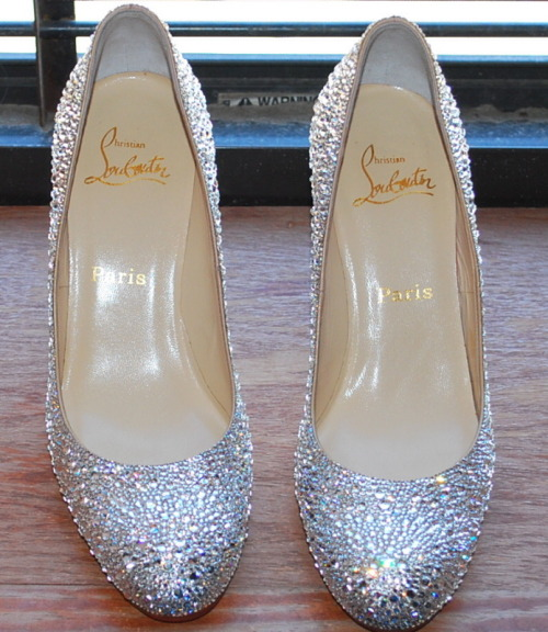 walk-in-louboutin:  That would be a nice pair of wedding shoes !