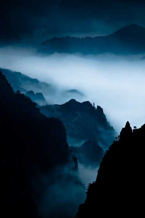 archenland:  North Sea Canyon (by froca)