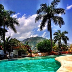 Hotel Montana #haiti #pool #sky #water #tourism #beauty #hills #thisishaiti #clouds  (Taken with Instagram)