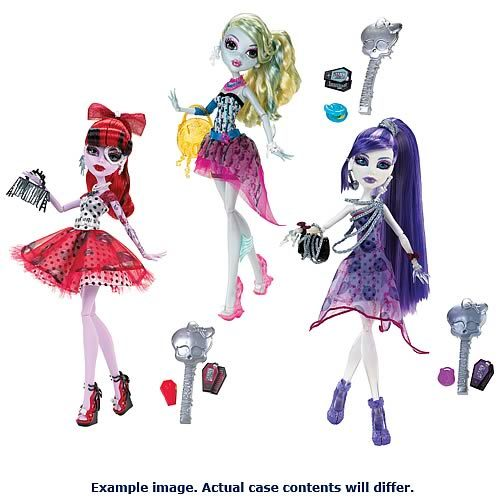 Dot Dead Gorgeous dolls are currently in stock on ToysRUs.com, for my American followers, which I assume is a lot of you! Spectra, Operetta, Lagoona, $20 + shipping