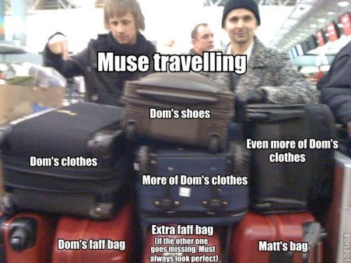 mapofmymuse:  domyenne:  :'D that's the reality <3  well matt did say dom has 3 tour buses, one for his clothes, one for his ego and one for himself