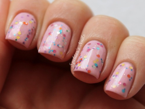 Glitter Sandwich: China Glaze - Something Sweet, Essence - Circus Confetti, Essence - Sweet As Candy