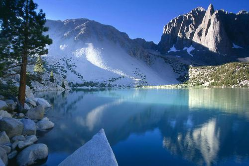 bluepueblo:   Turquoise Lake, The Sierra Nevada, California photo via sunshine