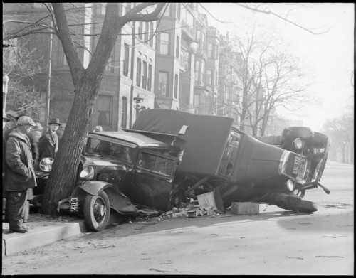 laughingsquid:  Vintage Photos of Auto Accidents in Boston (1920s-1950s)